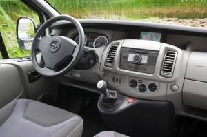 Opel-Vivaro interior
