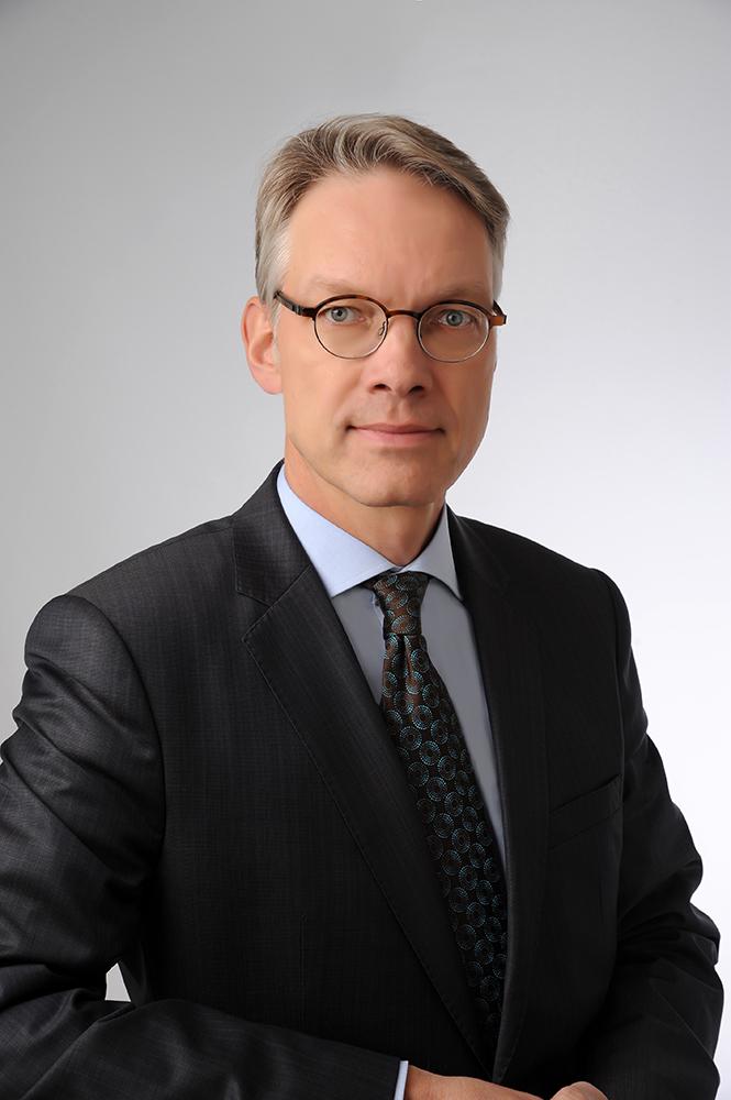 ROLAND W. SCHACHT