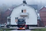 Μετακόμιση… σπιτιού με Scania!